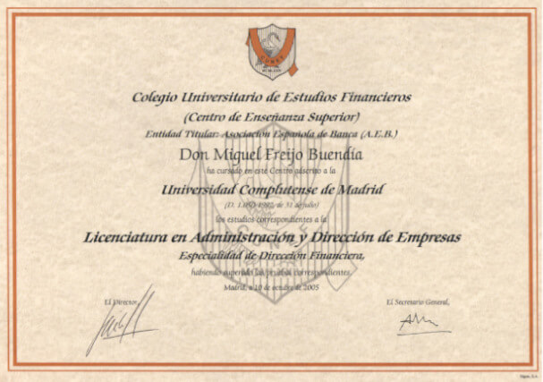 I graduate in Business administration and management at CUNEF